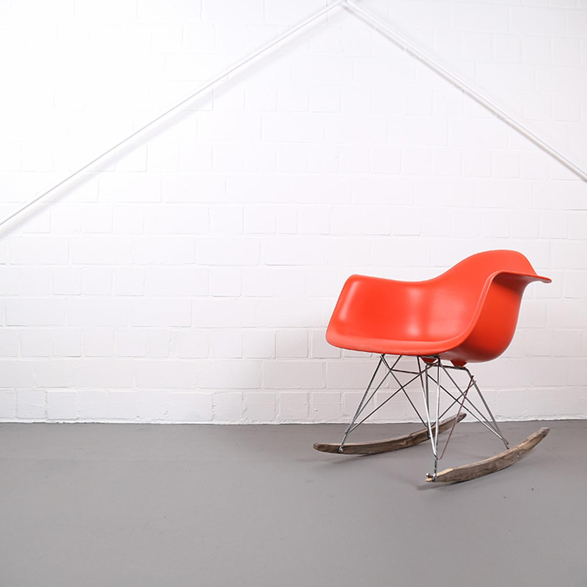 Eames chair schaukelstuhl buy eames style white rocker for Schaukelstuhl orange