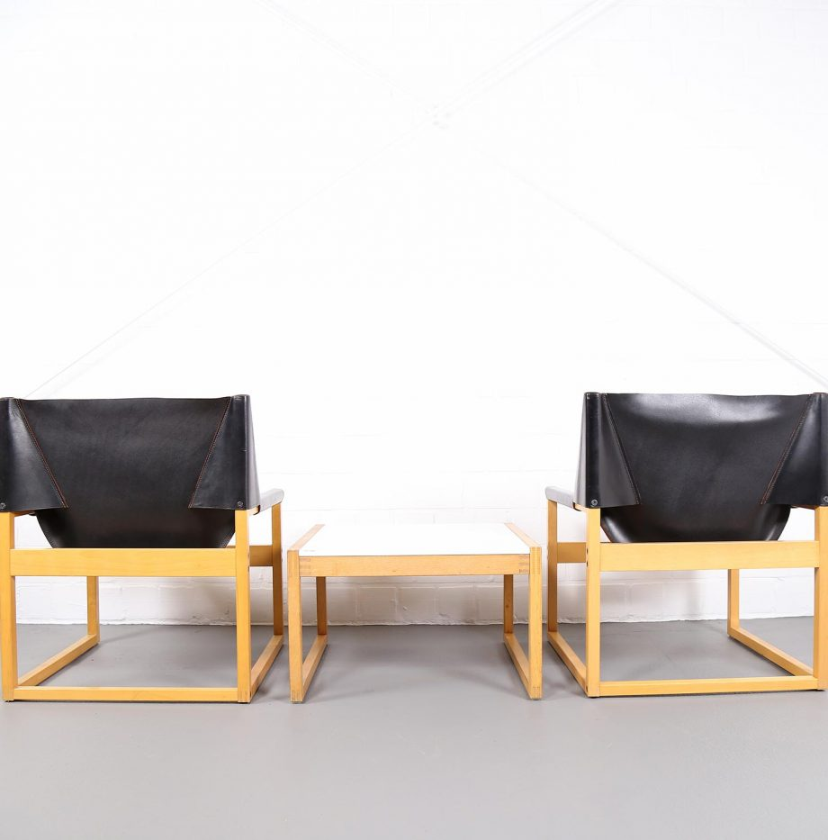 Architect_Armchairs_Sidetable_Architekt_Schell_Goettingen_Graphical_Leather_Easy_Chairs_60er_9