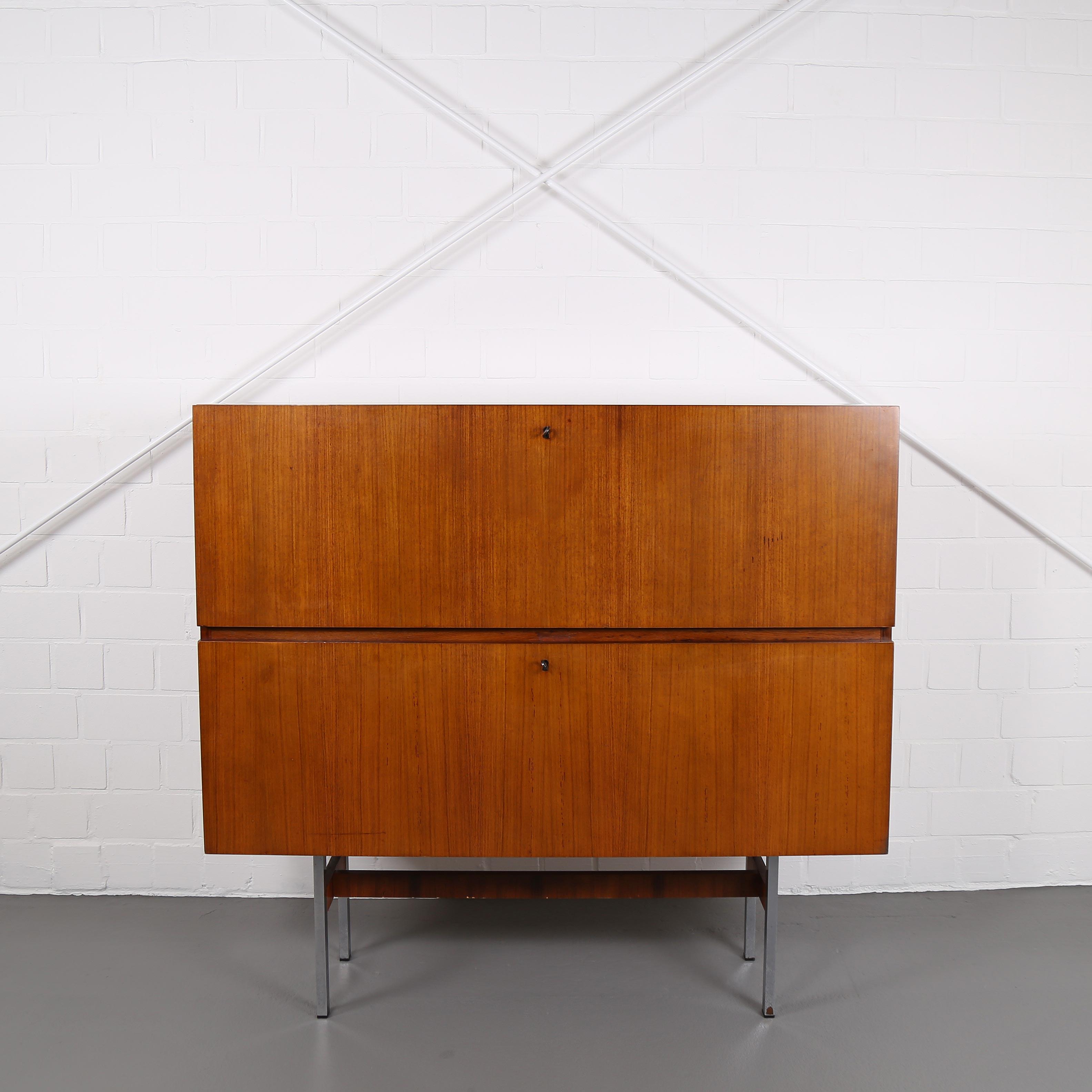 designklassiker sideboard neuesten design. Black Bedroom Furniture Sets. Home Design Ideas