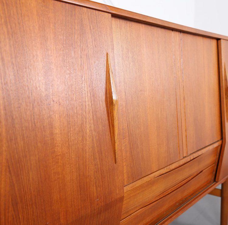 Danish Design Teak Sideboard Credenza gebraucht modern Midcentury Gunni Omann Geometrische Form
