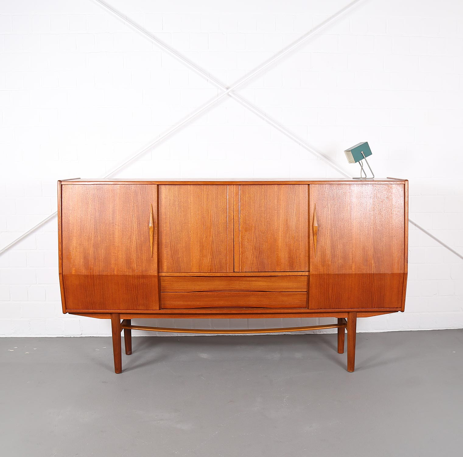 geometric danish design teak sideboard credenza dekaden. Black Bedroom Furniture Sets. Home Design Ideas