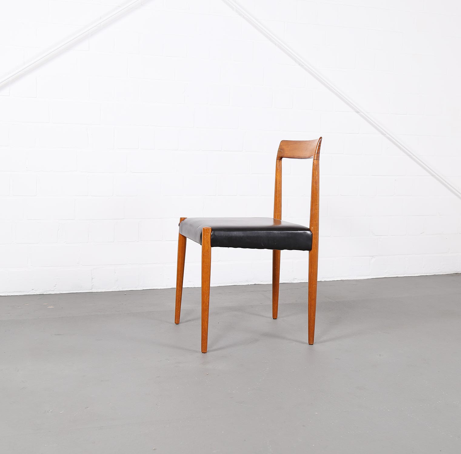Danish design teak chair 60s luebke gebraucht used classic for Designer chairs from the 60s