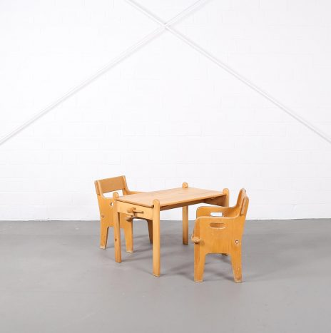Set of two Peter's Chairs and Peter's Table Kinderstuhl Hans J. Wegner for Getema