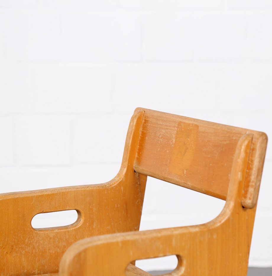 hans_j_wegner_perts_chair_peters_table_danish_design_borge_mogensen_kids_kinderstuhl_designklassiker_13