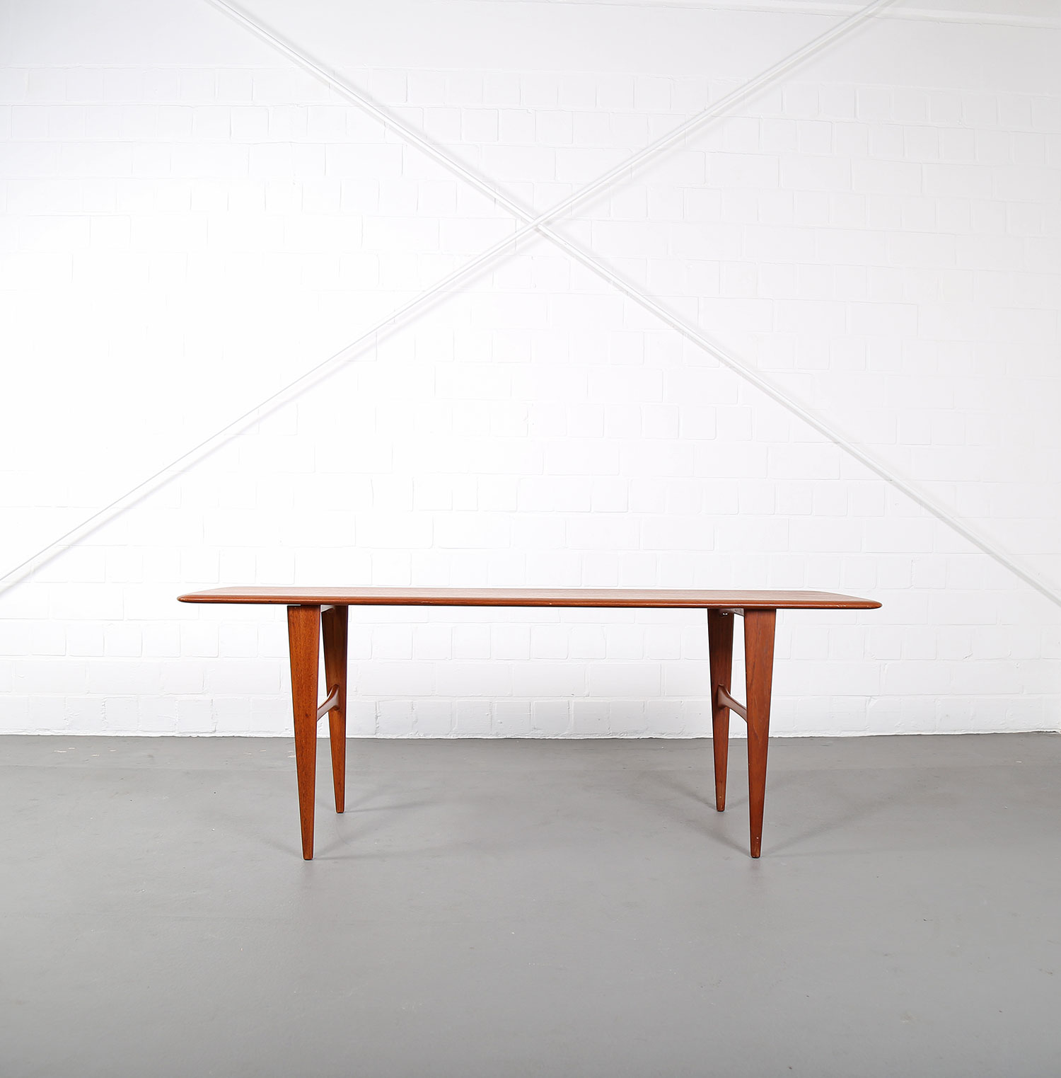 Danish Design Coffee Table In The Manner Of Peter Hvidt For France S N Dekaden