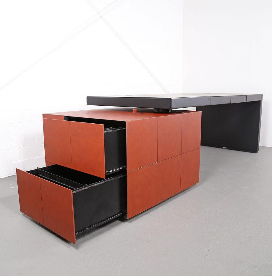 lella_massimo_vignelli_leder-schreibtisch_leather_office_desk_ceo_poltrona_frau_italy_24