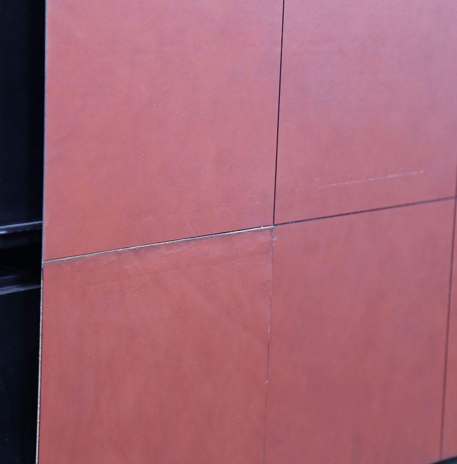 lella_massimo_vignelli_leder-schreibtisch_leather_office_desk_ceo_poltrona_frau_italy_36