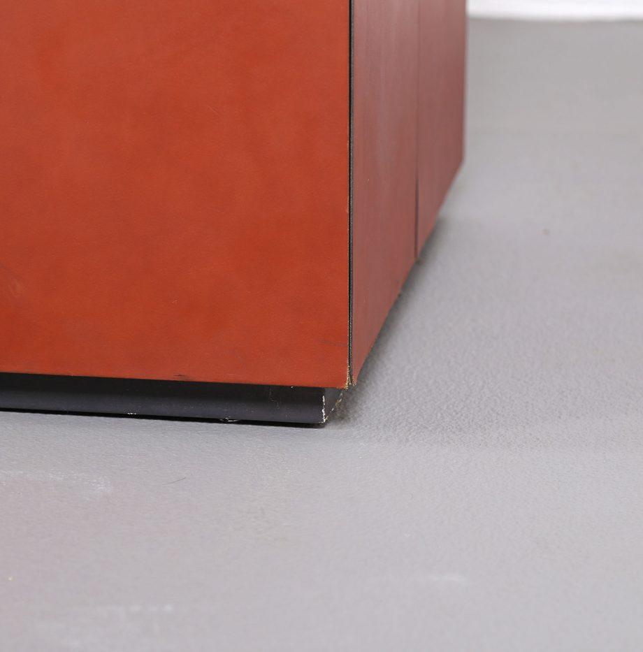 lella_massimo_vignelli_leder-sideboard_leather_credenza_ceo_poltrona_frau_italy_11