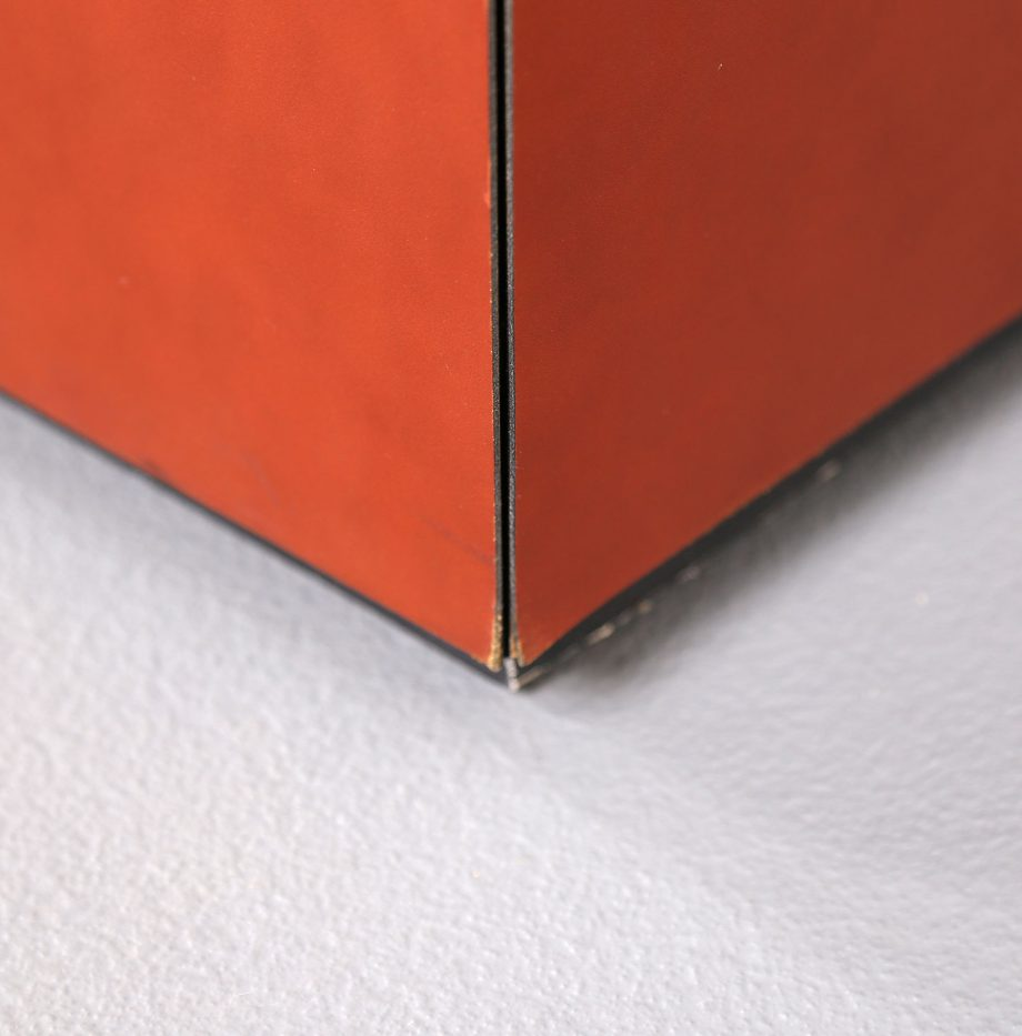 lella_massimo_vignelli_leder-sideboard_leather_credenza_ceo_poltrona_frau_italy_14