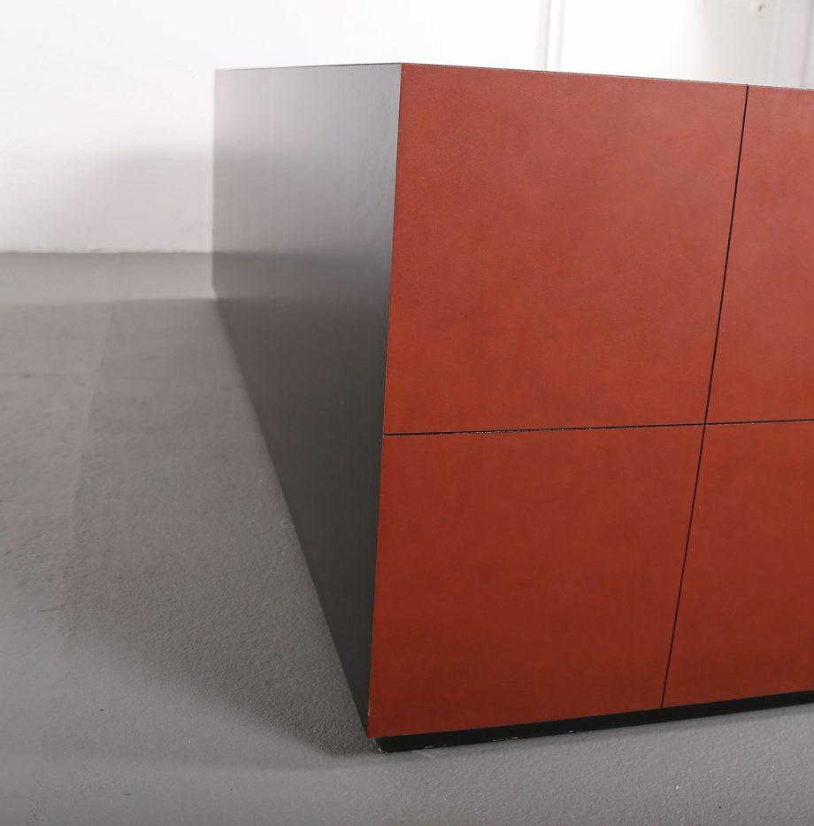 lella_massimo_vignelli_leder-sideboard_leather_credenza_ceo_poltrona_frau_italy_17