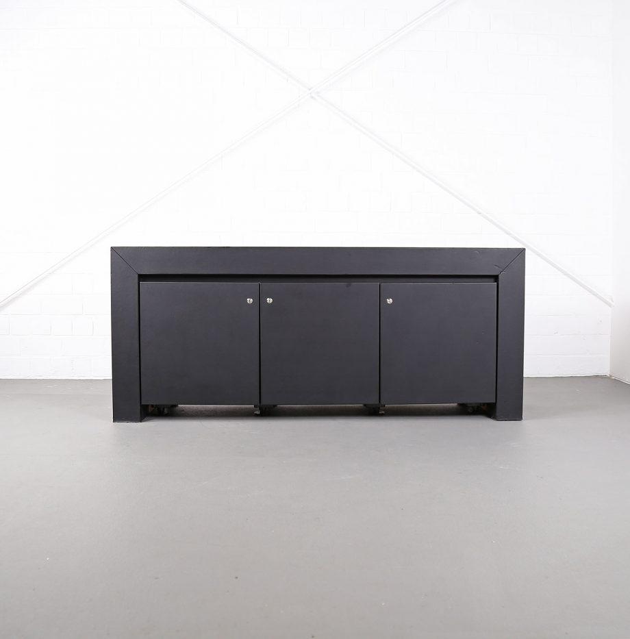 lella_massimo_vignelli_schwarzes_leder-sideboard_leather_credenza_ceo_poltrona_frau_italy_02