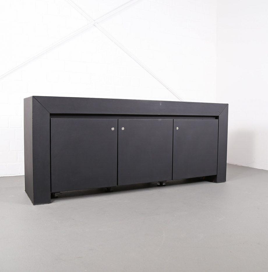 lella_massimo_vignelli_schwarzes_leder-sideboard_leather_credenza_ceo_poltrona_frau_italy_05