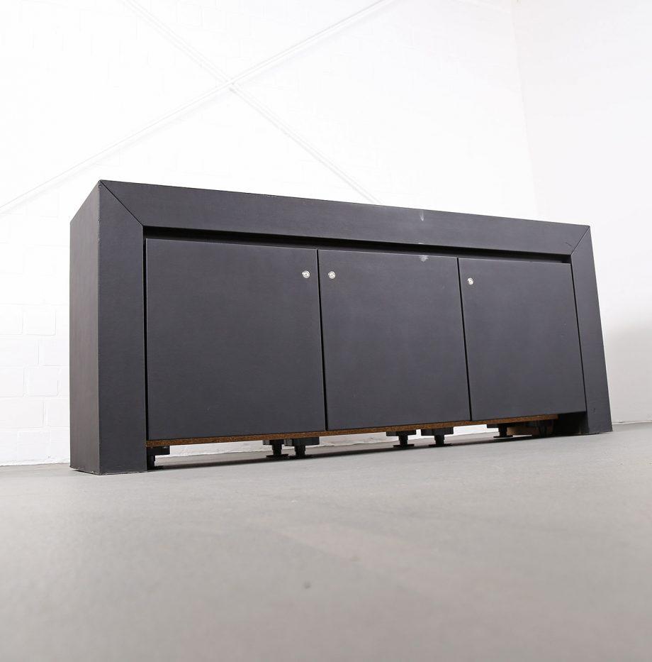 lella_massimo_vignelli_schwarzes_leder-sideboard_leather_credenza_ceo_poltrona_frau_italy_06