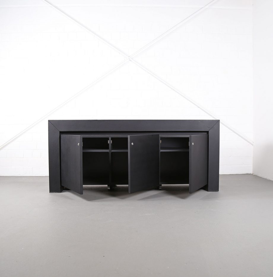 lella_massimo_vignelli_schwarzes_leder-sideboard_leather_credenza_ceo_poltrona_frau_italy_08