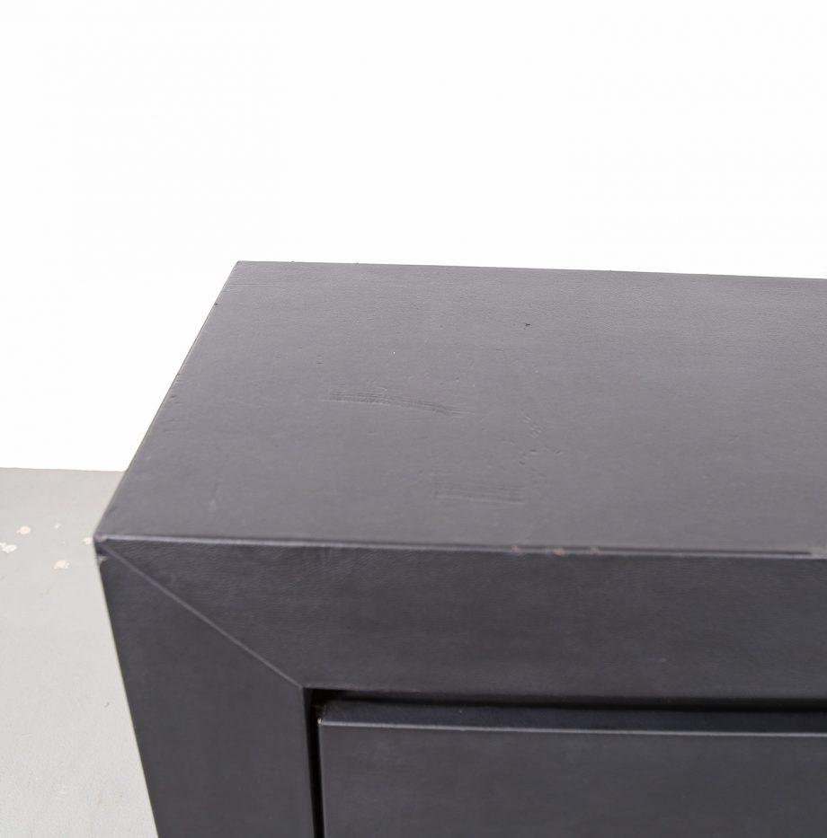 lella_massimo_vignelli_schwarzes_leder-sideboard_leather_credenza_ceo_poltrona_frau_italy_16