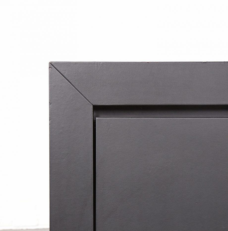 lella_massimo_vignelli_schwarzes_leder-sideboard_leather_credenza_ceo_poltrona_frau_italy_23