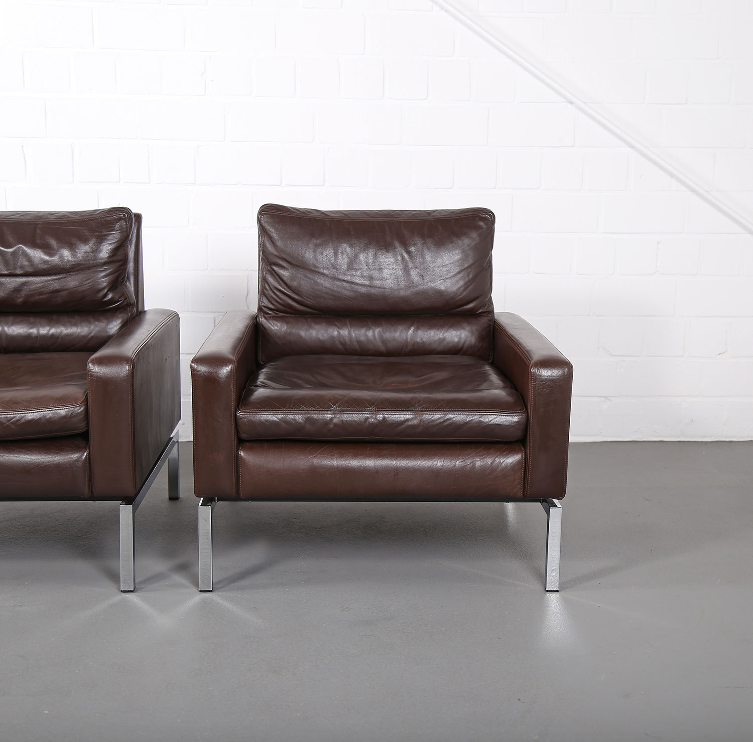 Set of two leather armchairs hans peter piehl for wilkhahn for Sofa 60er jahre gebraucht