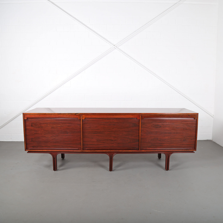 rosewood sideboard credenza gianfranco frattini bernini. Black Bedroom Furniture Sets. Home Design Ideas