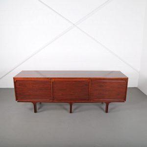 Großes Palisander Sideboard Italy von Gianfranco Frattini für Bernini, 1960er Credenza Cabinet