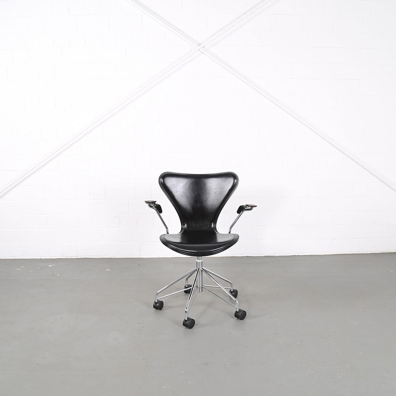 Arne Jacobsen For Fritz Hansen Series 7 Office Chair Woodleather
