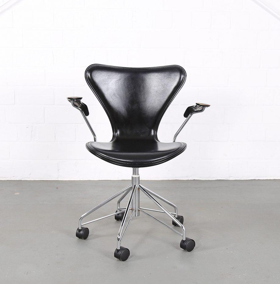 Arne_Jacobsen_Fritz_Hansen_Serie_7_Office_Chair_Buerostuhl_1994_Holz_Leder_Designklassiker_gebraucht_02