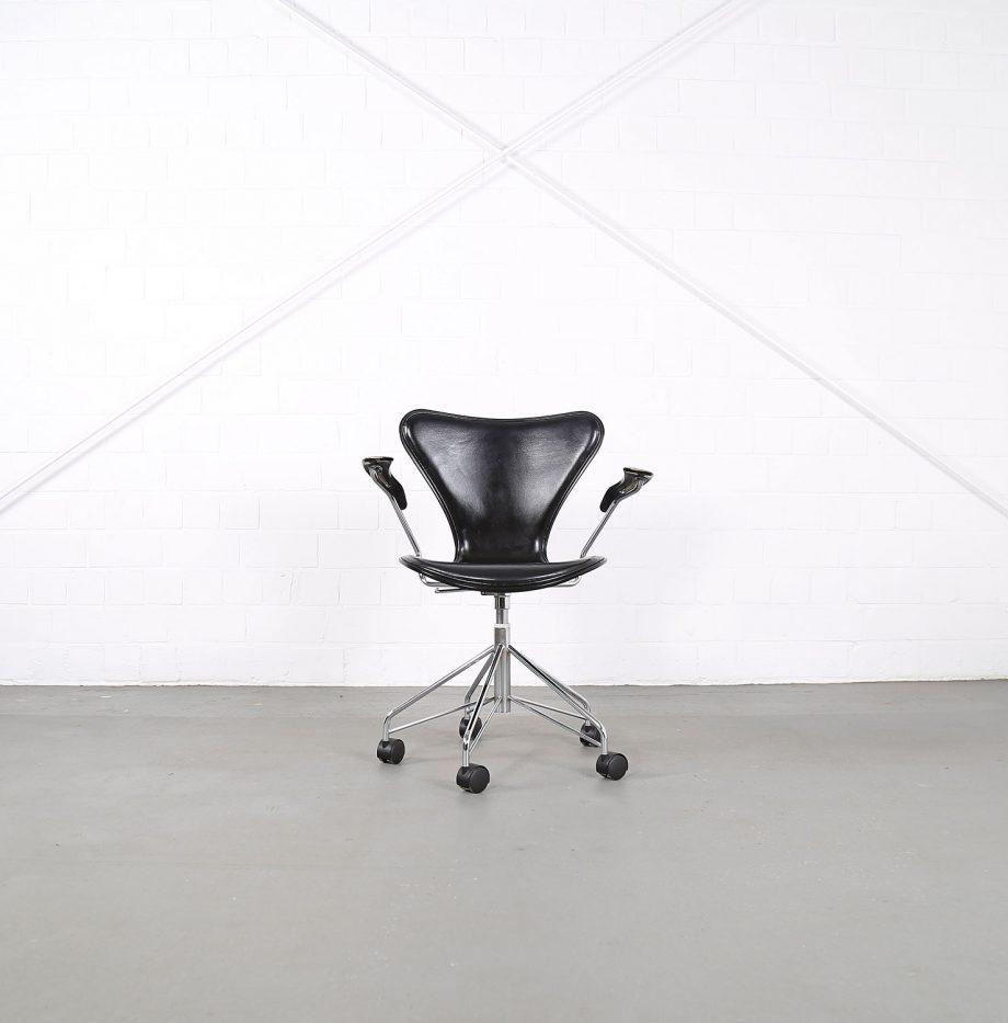 Arne_Jacobsen_Fritz_Hansen_Serie_7_Office_Chair_Buerostuhl_1994_Holz_Leder_Designklassiker_gebraucht_03