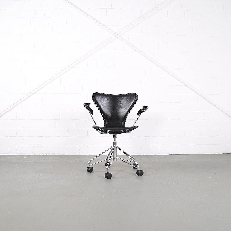 Arne Jacobsen For Fritz Hansen Series 7 Fice Chair Wood
