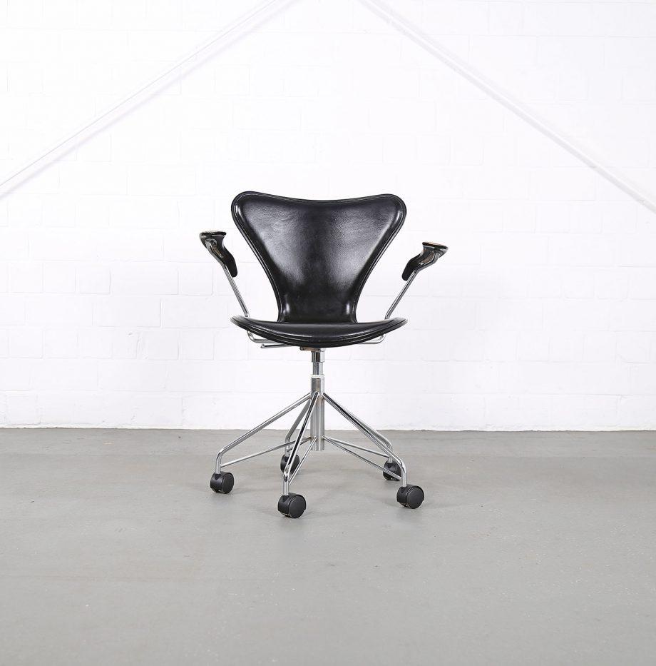 Arne_Jacobsen_Fritz_Hansen_Serie_7_Office_Chair_Buerostuhl_1994_Holz_Leder_Designklassiker_gebraucht_04