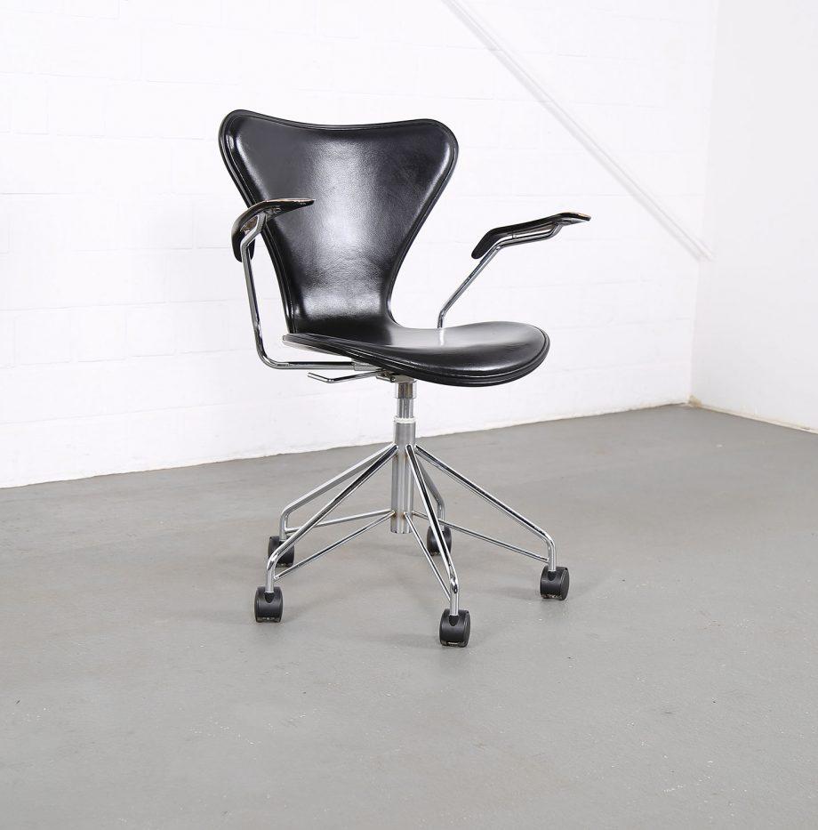 Arne_Jacobsen_Fritz_Hansen_Serie_7_Office_Chair_Buerostuhl_1994_Holz_Leder_Designklassiker_gebraucht_06