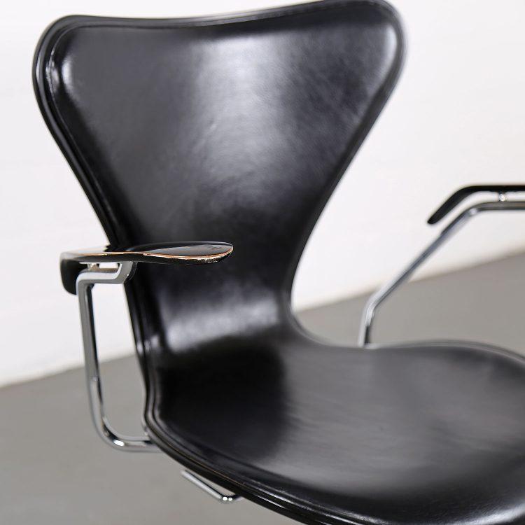 Arne Jacobsen Chair Serie 7 Fritz Hansen Office Drehstuhl schwarzes Leder