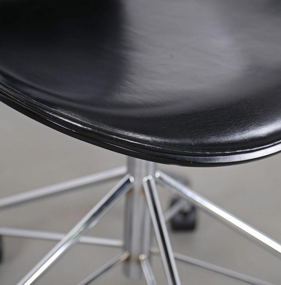 Arne_Jacobsen_Fritz_Hansen_Serie_7_Office_Chair_Buerostuhl_1994_Holz_Leder_Designklassiker_gebraucht_09