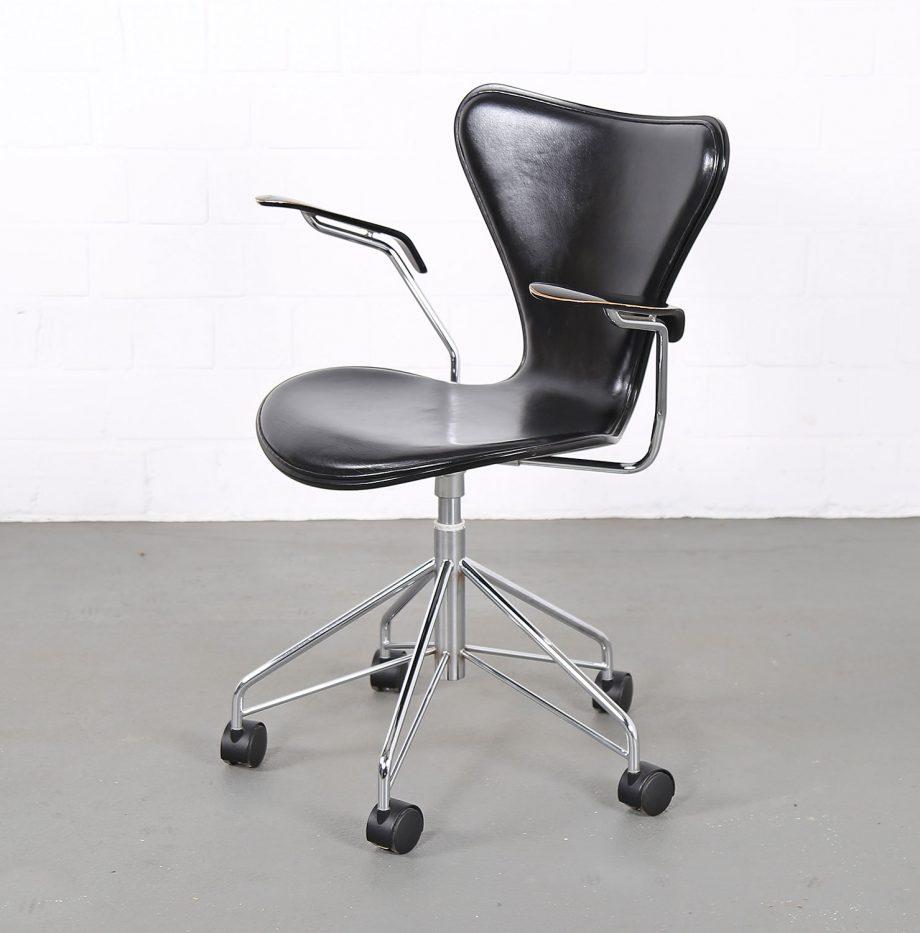 Arne_Jacobsen_Fritz_Hansen_Serie_7_Office_Chair_Buerostuhl_1994_Holz_Leder_Designklassiker_gebraucht_12