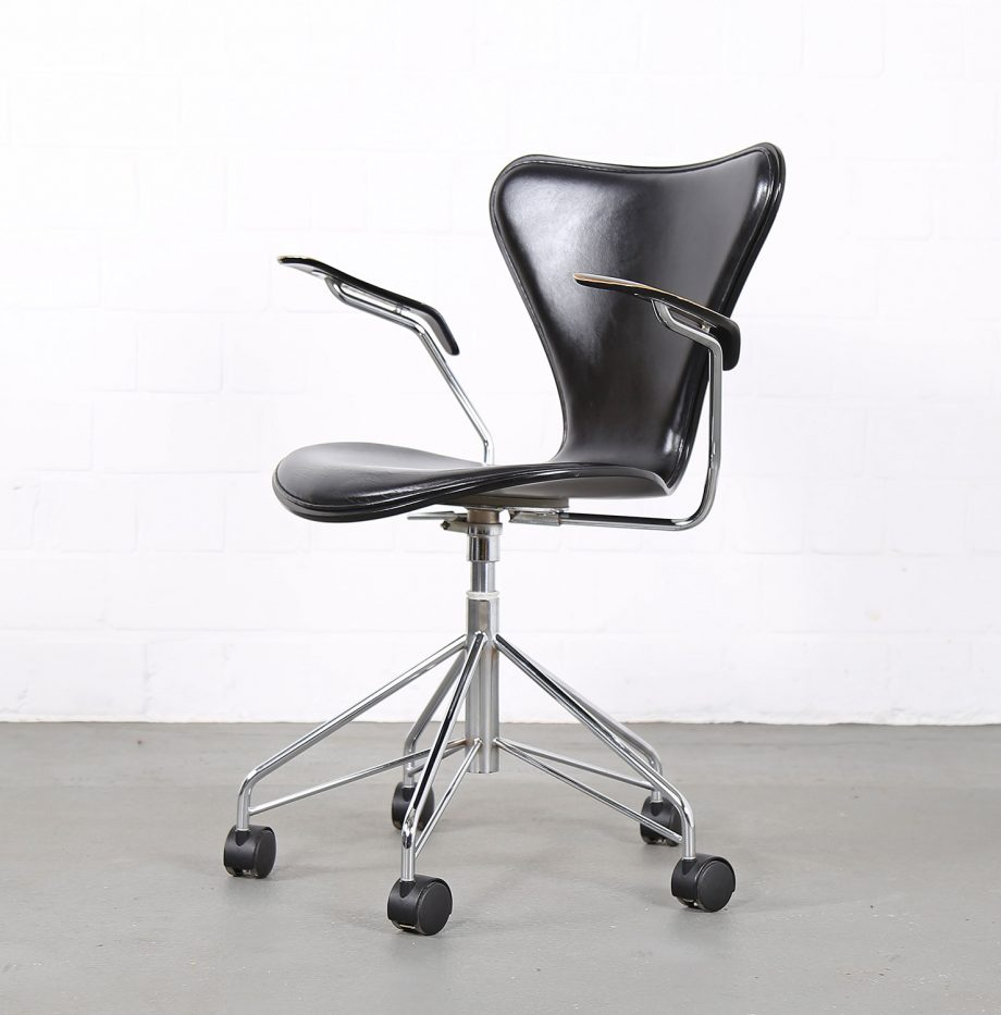 Arne_Jacobsen_Fritz_Hansen_Serie_7_Office_Chair_Buerostuhl_1994_Holz_Leder_Designklassiker_gebraucht_13
