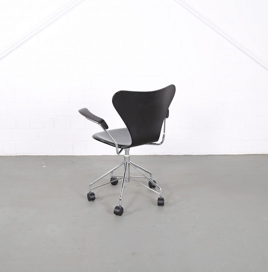 Arne_Jacobsen_Fritz_Hansen_Serie_7_Office_Chair_Buerostuhl_1994_Holz_Leder_Designklassiker_gebraucht_14