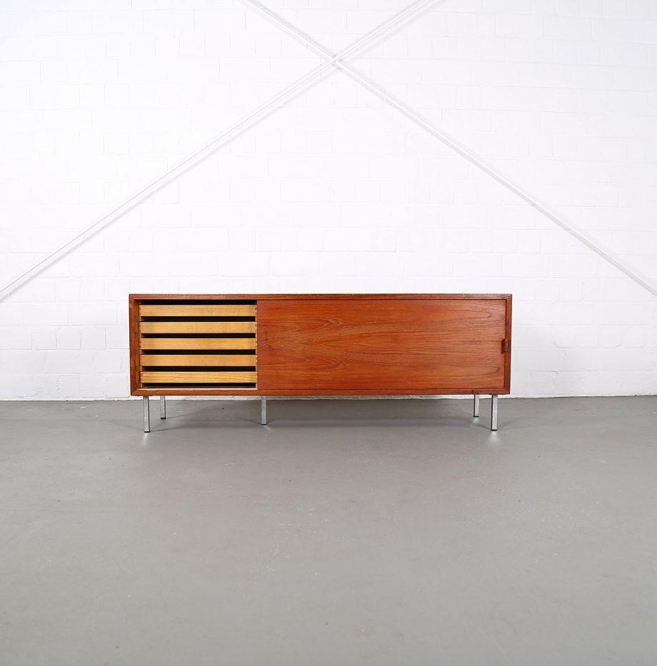Helmut_Magg_Deutsche_Werkstätten_Sideboard_Ledergriffe_Wandhaengend_Floating_Wandsideboard_Teak_50_60er_Design_klein_03
