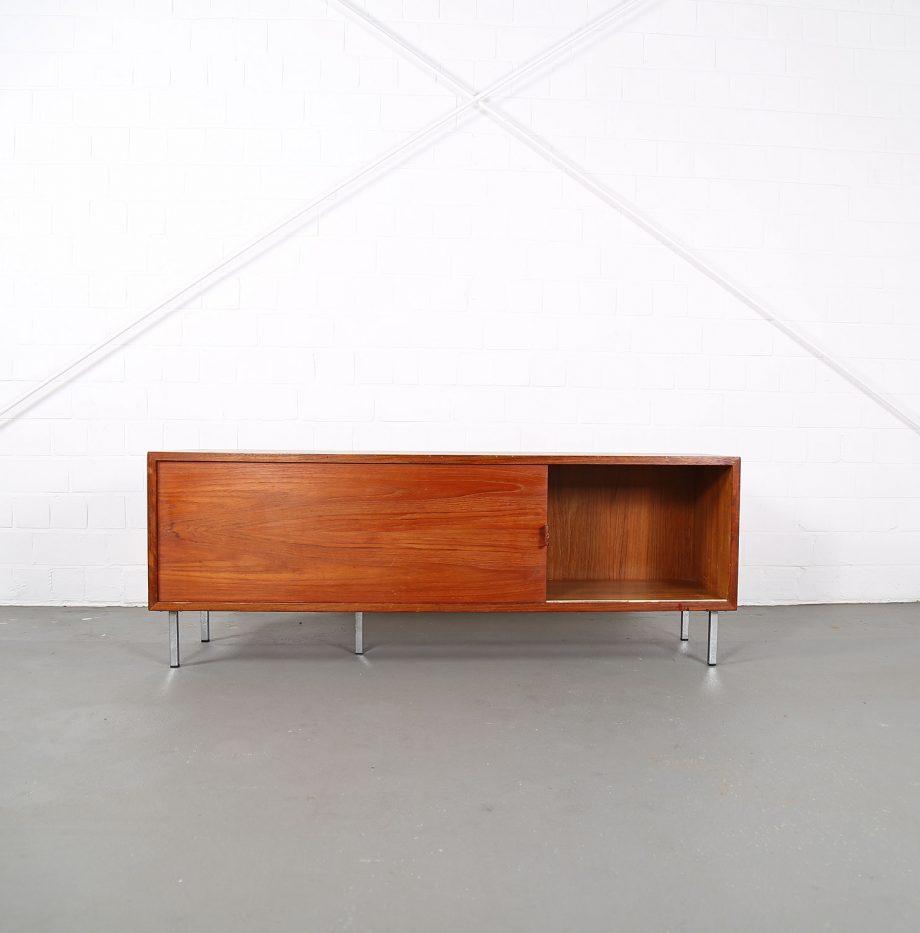 Helmut_Magg_Deutsche_Werkstätten_Sideboard_Ledergriffe_Wandhaengend_Floating_Wandsideboard_Teak_50_60er_Design_klein_15