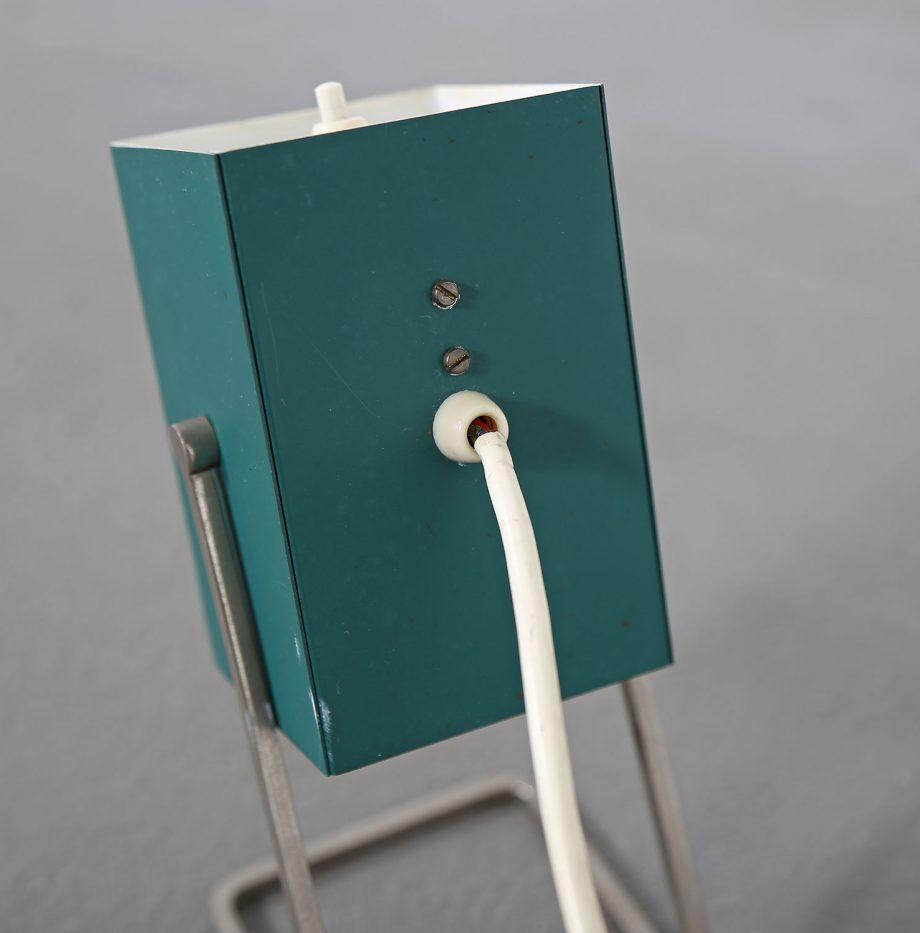 Kaiser_Leuchten_Modell_45097_A_Cube_Wuerfelleuchte_Tischleuchte_Table_Lamp_50er_60er_Design_gruen_05