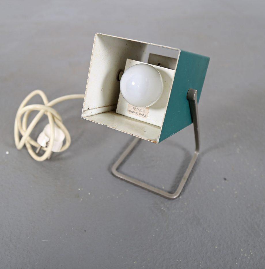 Kaiser_Leuchten_Modell_45097_B_Cube_Wuerfelleuchte_Tischleuchte_Table_Lamp_50er_60er_Design_gruen_04