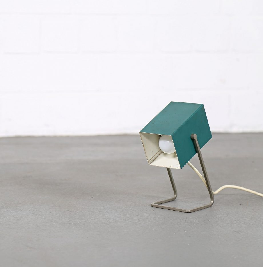 Kaiser_Leuchten_Modell_45097_C_Cube_Wuerfelleuchte_Tischleuchte_Table_Lamp_50er_60er_Design_gruen_04