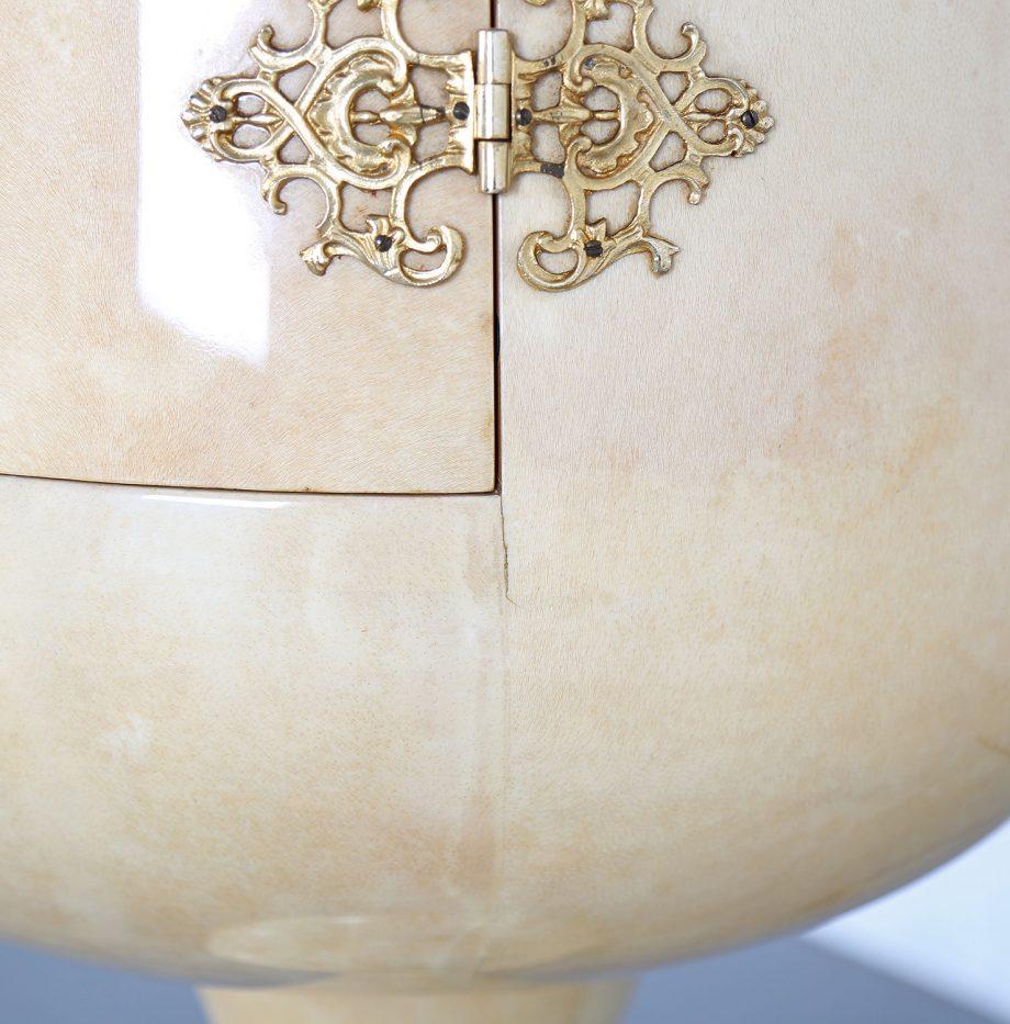 Mid-Century_Aldo_Tura_Goatskin_Illuminated_Dry_Bar_Cabinet_Ice_Bucket_1979_Italy_12