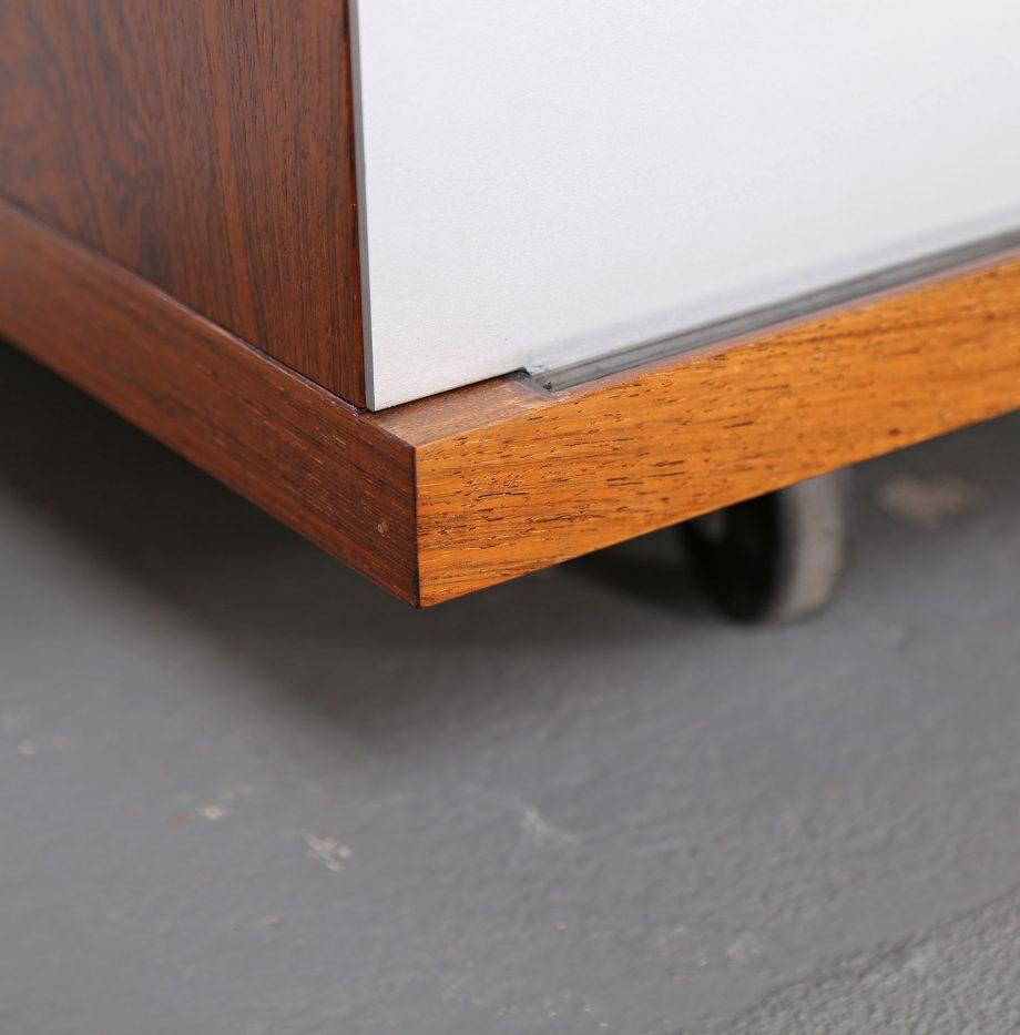 Schwebendes_Sideboard_Rosewood_Wall_Mounted_Horst_Bruening_Behr_1730_60er_Design_1967_19