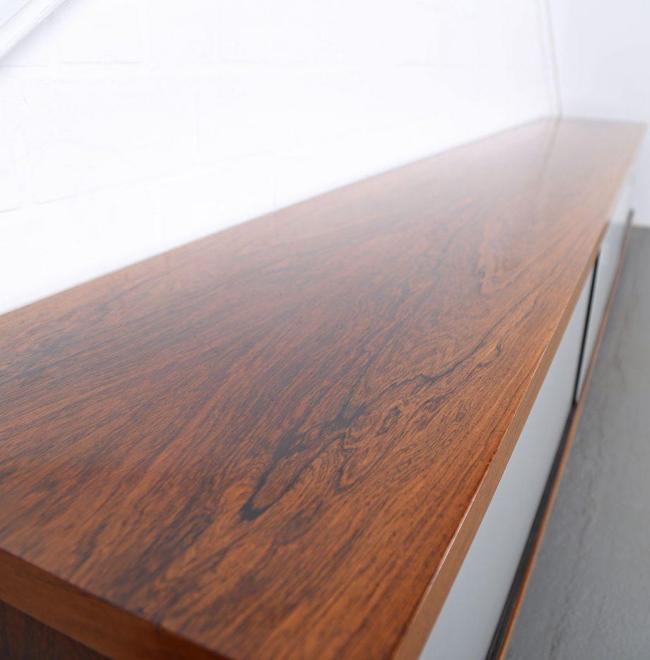 Schwebendes_Sideboard_Rosewood_Wall_Mounted_Horst_Bruening_Behr_1730_60er_Design_1967_20