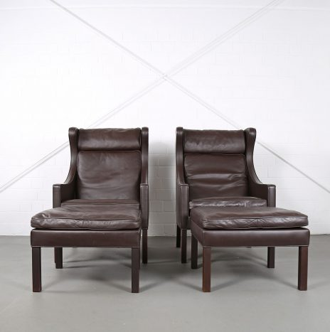 Set of 2 Wingbackchairs/Ottomans Model 2204/2202 by Børge Mogensen for Fredericia