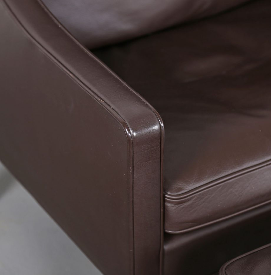 Sessel_Borge_Mogensen_Fredericia_Modell_2204_Ledersessel_mit_Hocker_Set_braun_leather_darkbrown_wingback-chair_ottoman_07
