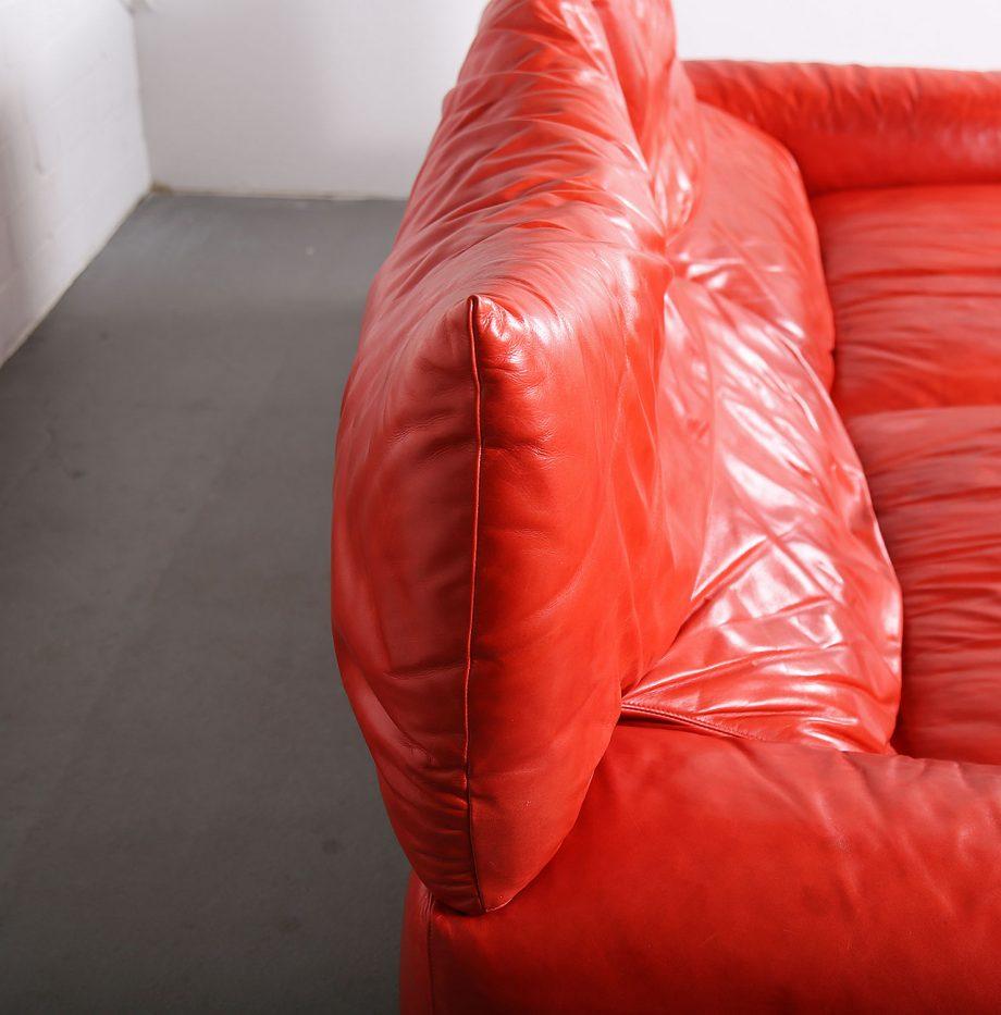 Erba_Italia_Sofa_Leahter_Giorgio_Soressi_Italy_Design_Maralunga_Cassina_kjaerholm_luxury_26
