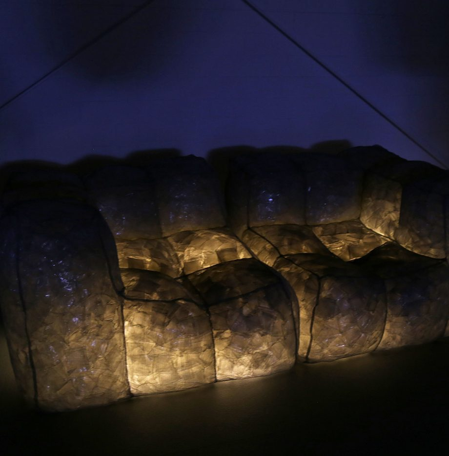 Meritalia_Via_Lattea_design_Mario_Bellini_Lightened_Sofa_Italy_Luxus_Couch_outdoor_15