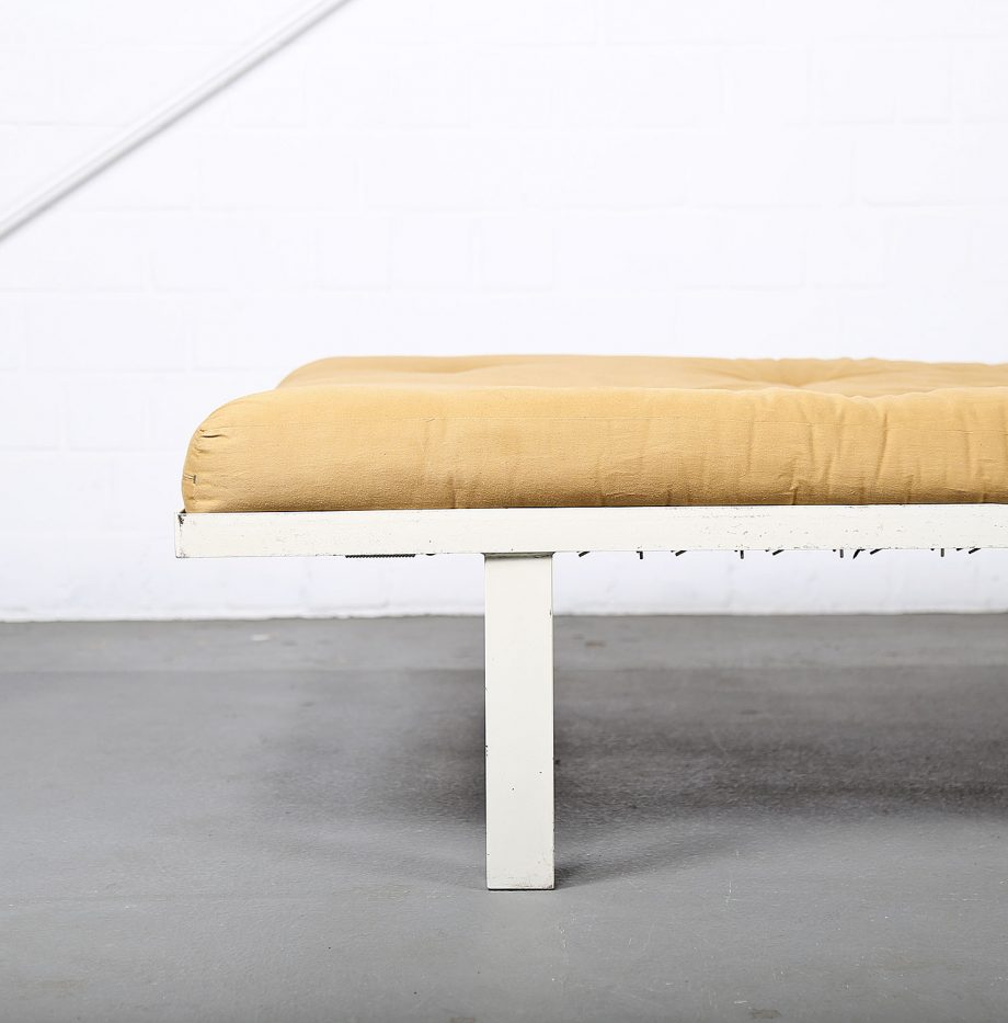 Midcentury_Modern_Design_French_Daybed_Prouve_Jeanerett_Metal_Bed_Futon_minimalist_10