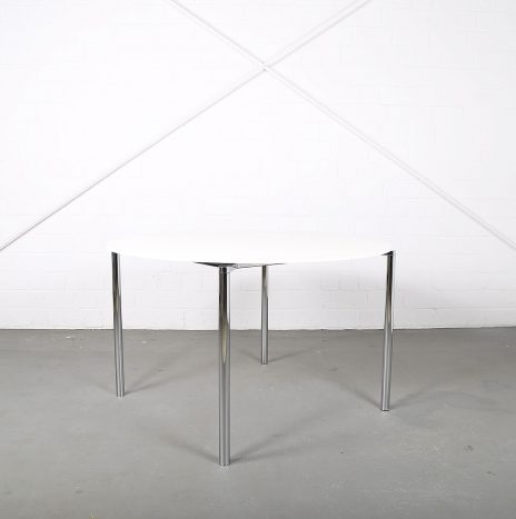Round conference / office / dining table Plano by Niels Gammelgaard for Fritz Hansen Pelikan Design