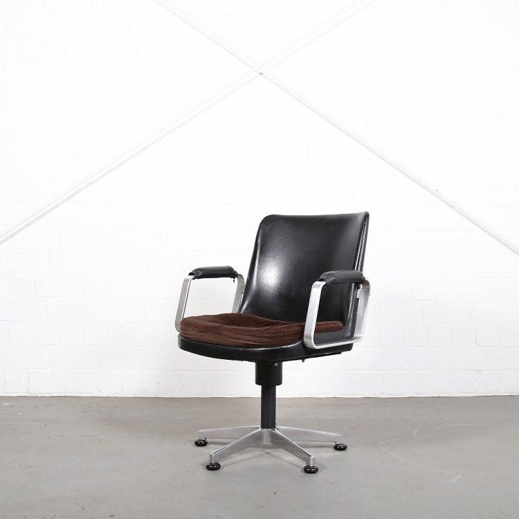 Froescher Office chair Ib Kofod Larsen Elizabeth attr Danish Design Leather Conference Chair Danish Design