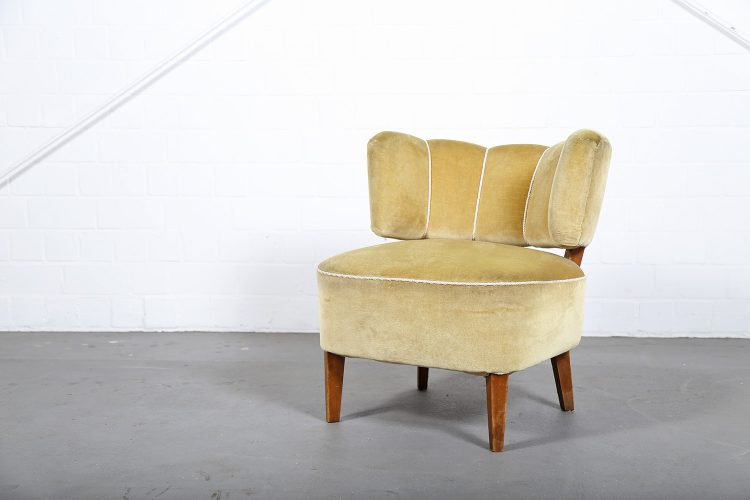 Very rare easy chair designed by Otto Schulz. Produced by Boet in Sweden.